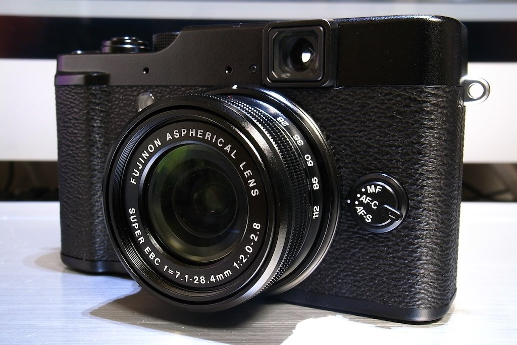FujiFilm X10 Digitalcamera camera
