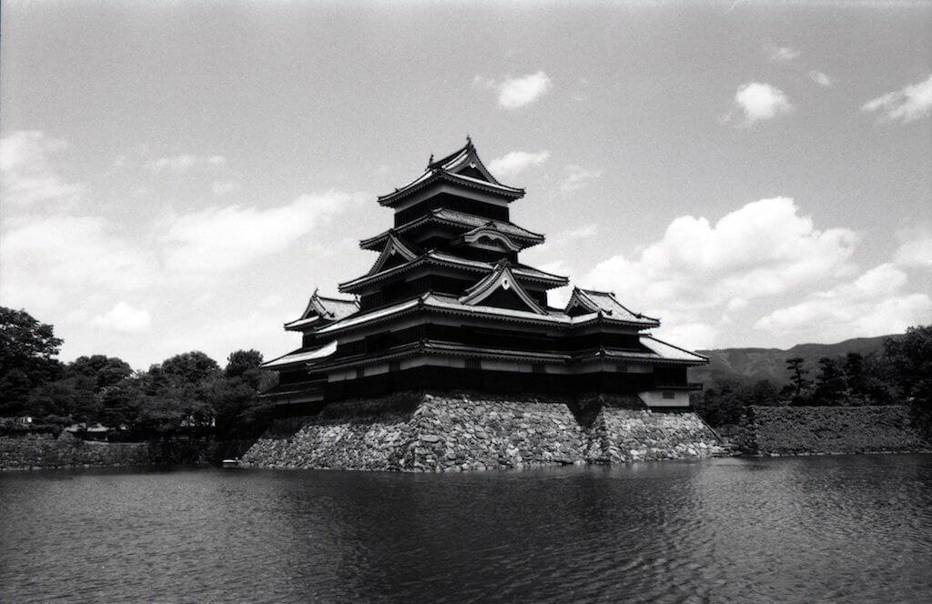 neopan monochrome B&W film nega matsumoto castle SR-T101 minolta